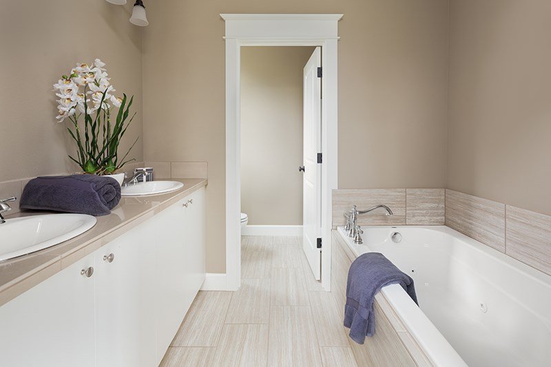 3 Reasons to Remodel Your Glendale Bathroom Before the Holidays