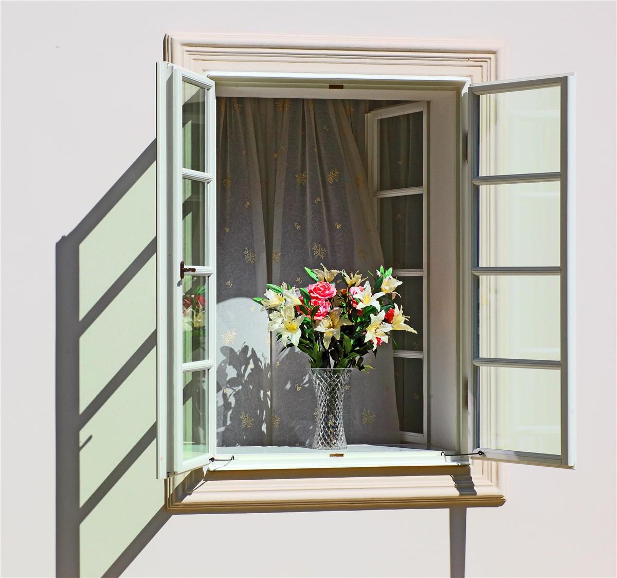 Phoenix casement windows arizona casement window company for Casement window reviews