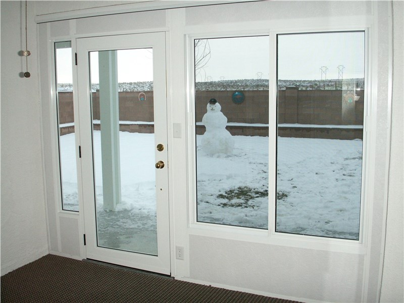 Experience the Benefits of Having a Sunroom in the Winter