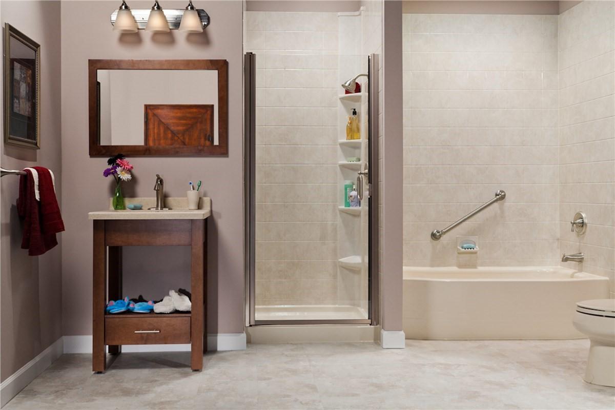 Bath Wall & Surrounds | Bathroom Remodeling | NM | Sandia Sunrooms