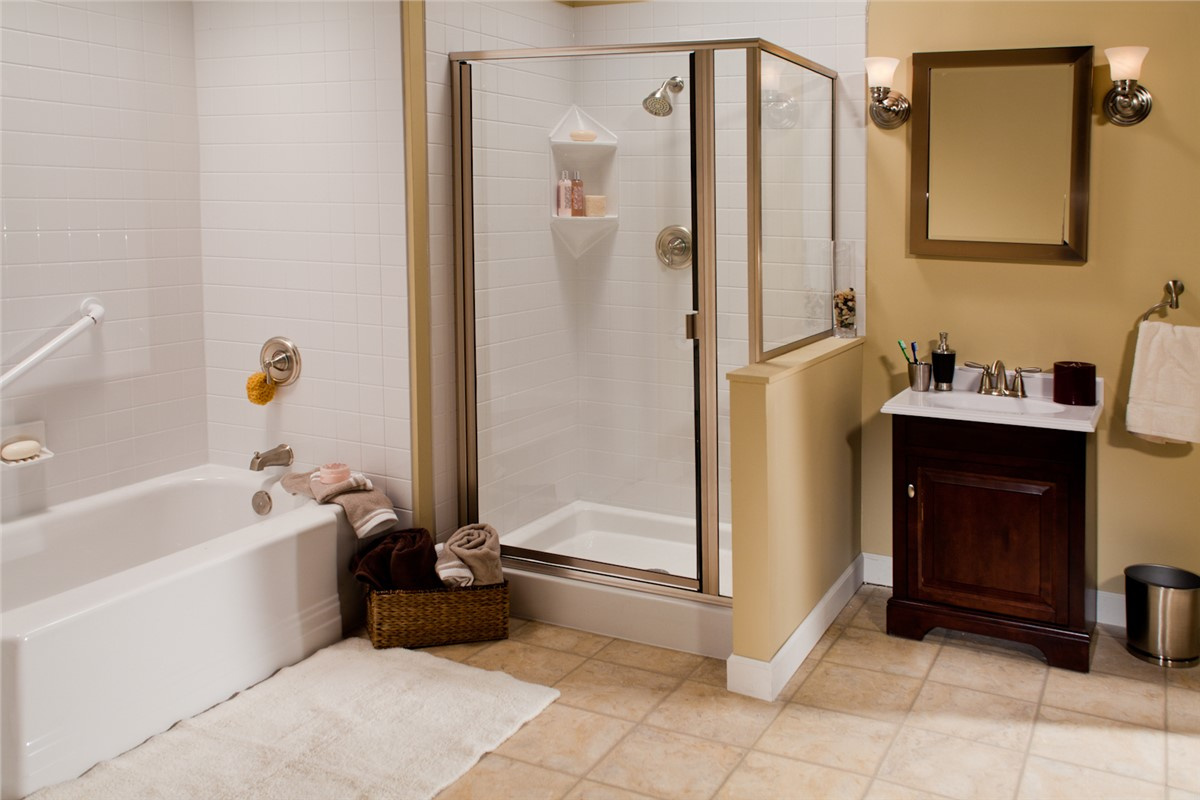 Northern California New Showers | Chico New Shower | Selig Custom