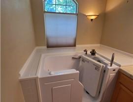 Bathroom Remodeling - Walk-in Tubs Photo 4