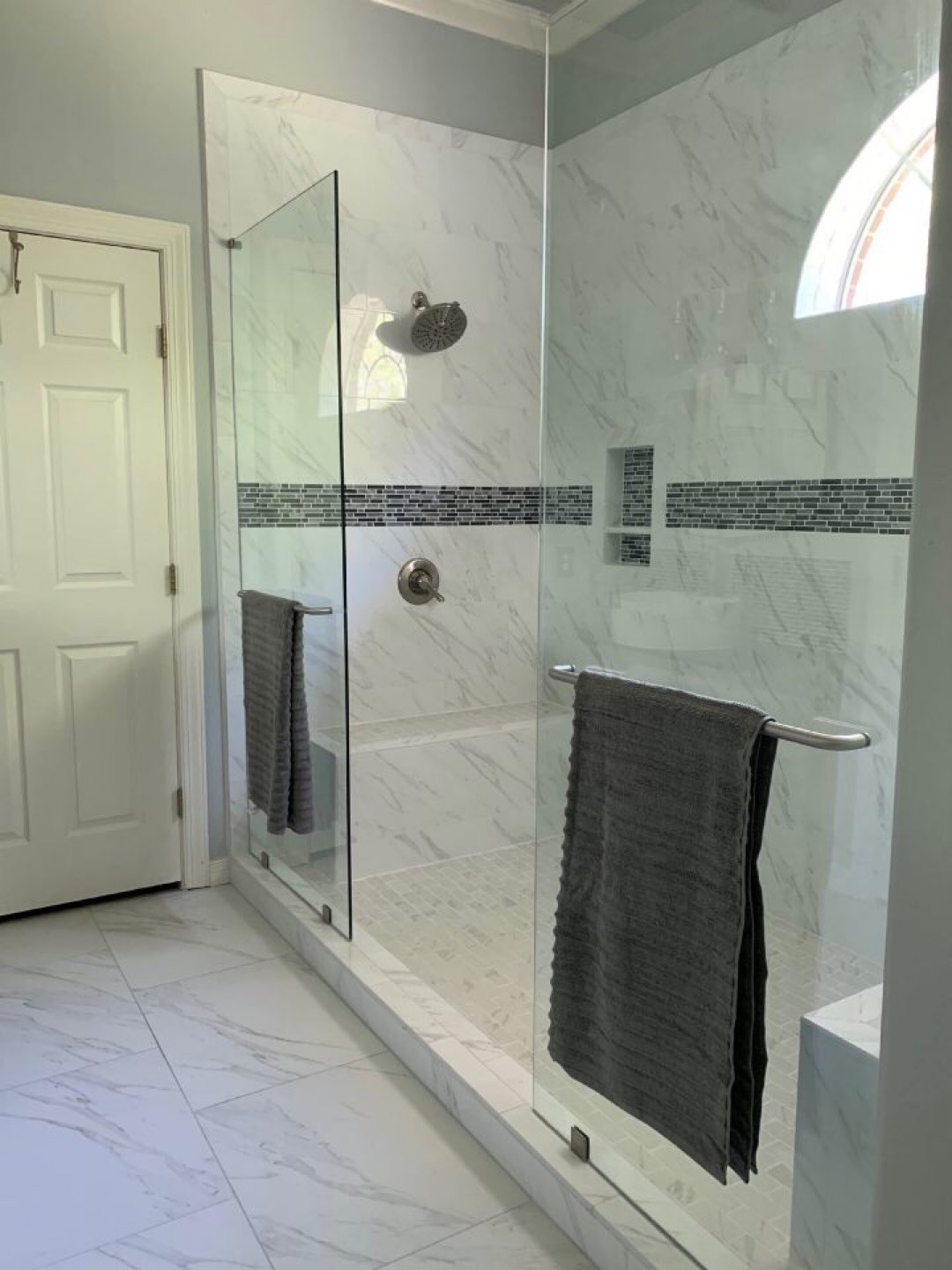 San antonio bathroom remodeling bathroom remodel san antonio - Small bathroom remodel with tub ...