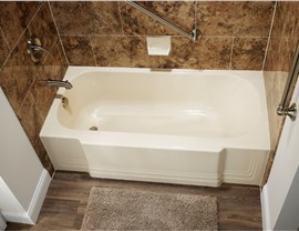 Bathtub Replacement Photo 3