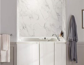 Kohler Walk-in Tub Photo 3