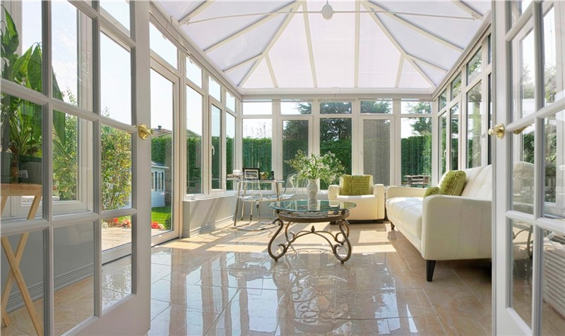 Enclosed Patios V. Sunrooms: Whatu0027s The Difference?