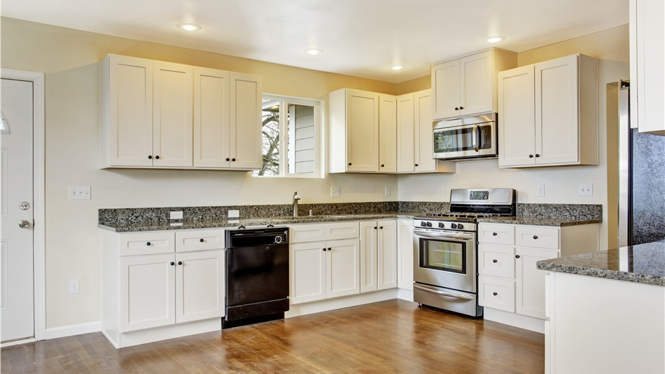 Kitchen Remodeling - Custom Kitchens Photo 1