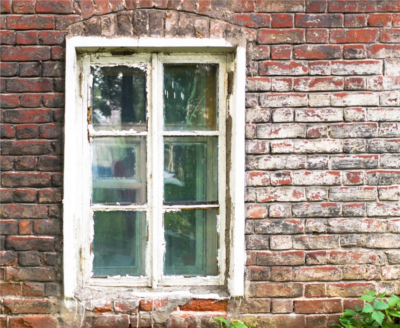 Unique Ways to Repurpose Old Windows