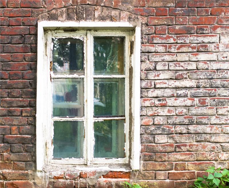 Unique Ways to Repurpose Old Windows