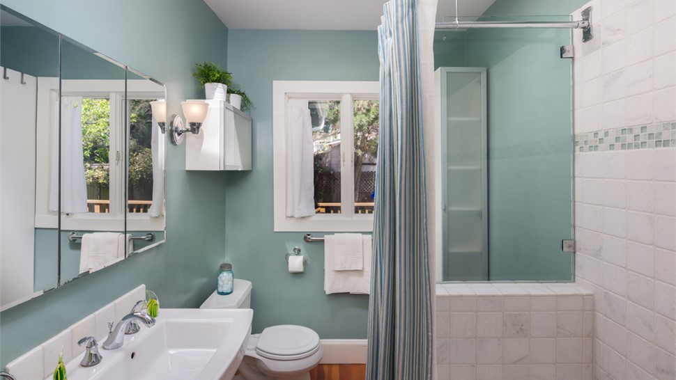 Bathroom Remodeling - Painting Photo 1
