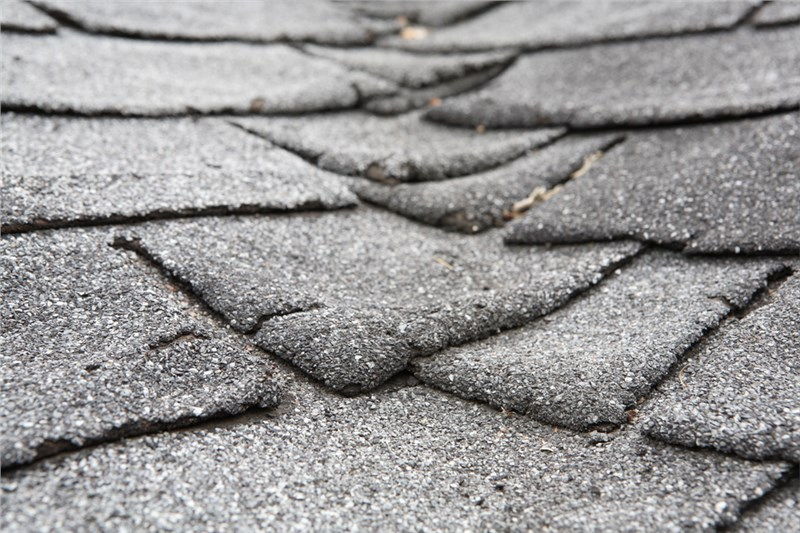 4 Signs It's Time to Replace Your Asphalt Shingles