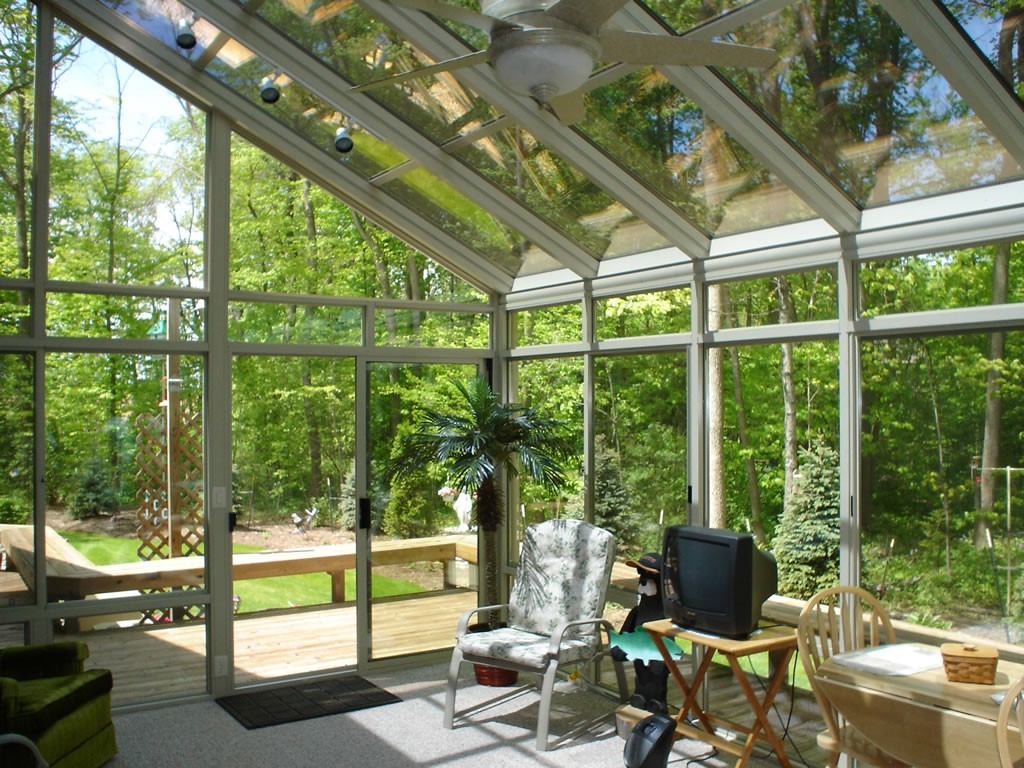 Green bay straight eave glass sunrooms green bay home for Backyard sunroom