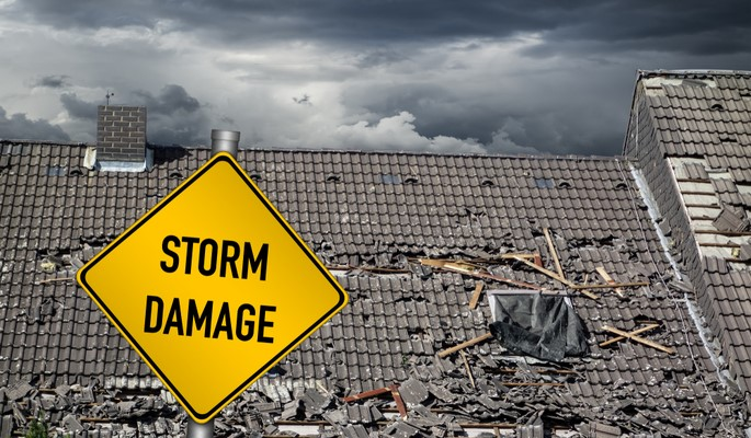 Tips to Prepare Your Roof for the Storm Season