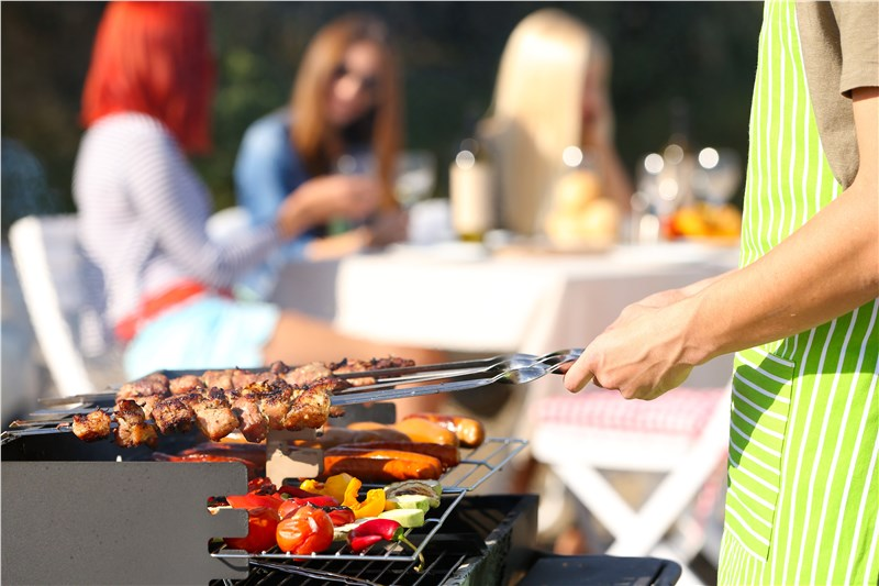 BBQ great meals in your outdoor kitchen