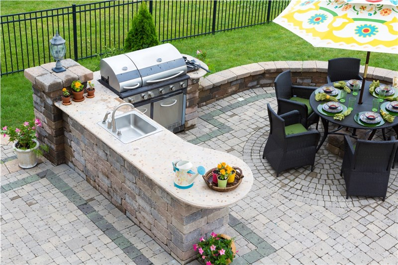 Make the Most of Your Outdoor Kitchen This Summer