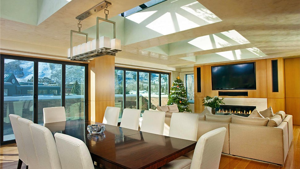 Glass Wall Systems - Panoramic Folding Doors Photo 1
