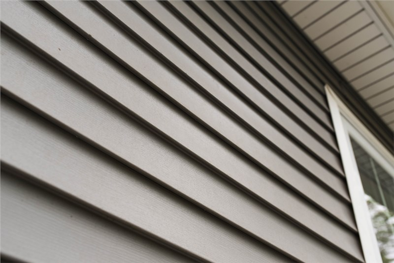 5 Reasons to Install Insulated Vinyl Siding